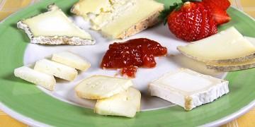 assortiment-de-sis-formatges